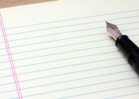 気持ちを書き出したり日記につけてみる